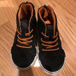 Vans Sk8 hi MTE Black/ Orange- Size 7